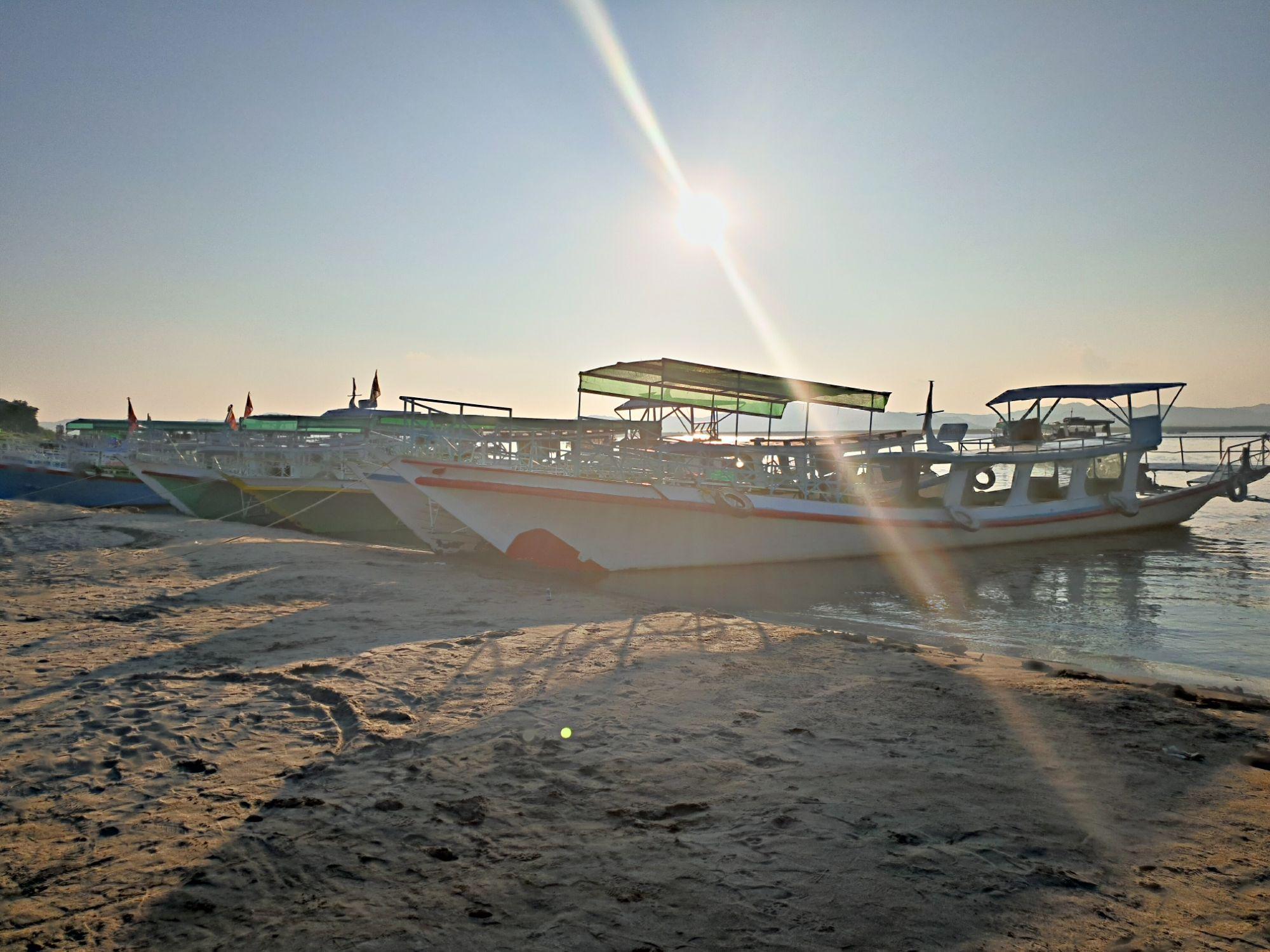 Mit dem Boot nach Bagan
